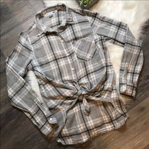 Old Navy Gray White Plaid Flannel Shirt